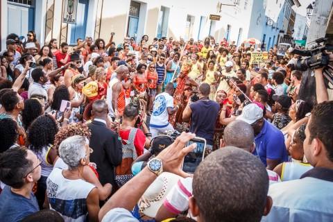 Negra Jhô e a corte afro _ Foto by Fabio Peixoto 1