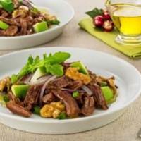 Leve e nutritiva: salada de músculo com maçã e nozes