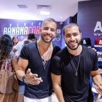 RAFA E PIPO MARQUES LOTAM SHOPPING EM LANÇAMENTO